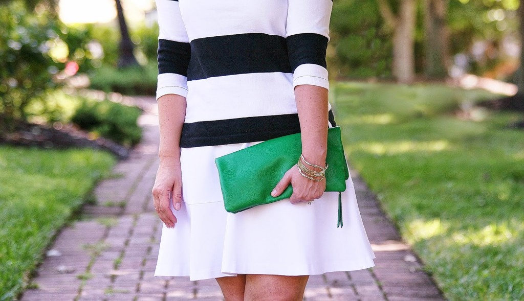 black and white, green clutch, fit and flare dress, white before labor day, labor day, Kendra Scott, Banana Republic, Old Navy, fab'rik, black wedges