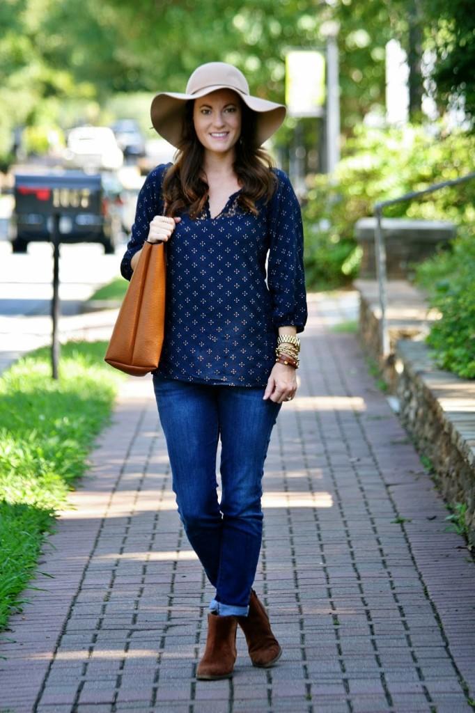 Brown Suede booties, Casual fall look, street style