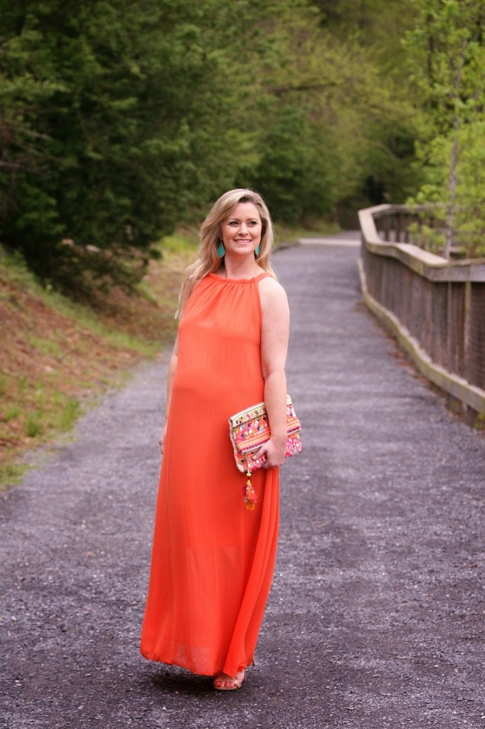What to wear under dresses while pregnant