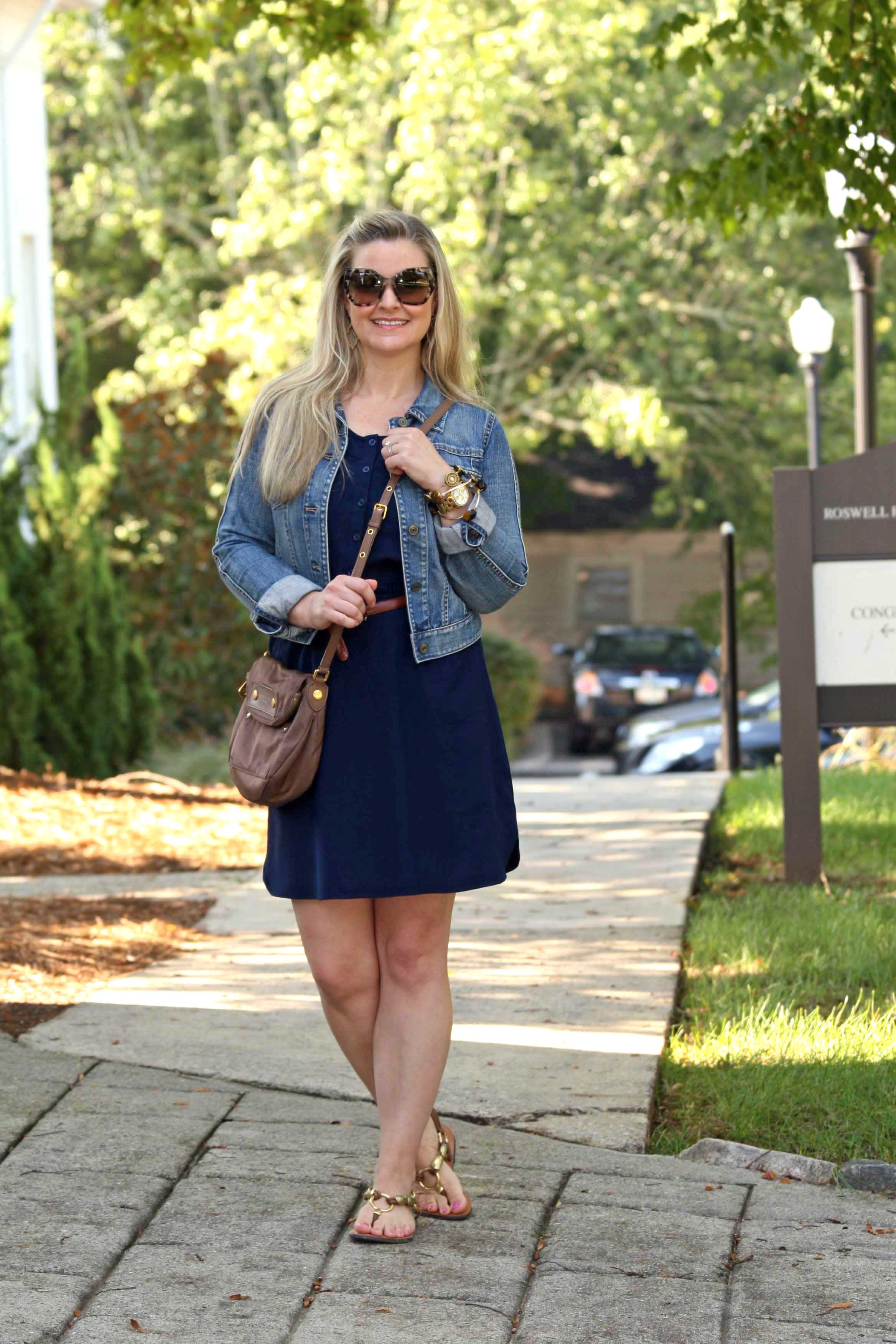 7cfb264bdbee How to style a casual navy blue dress