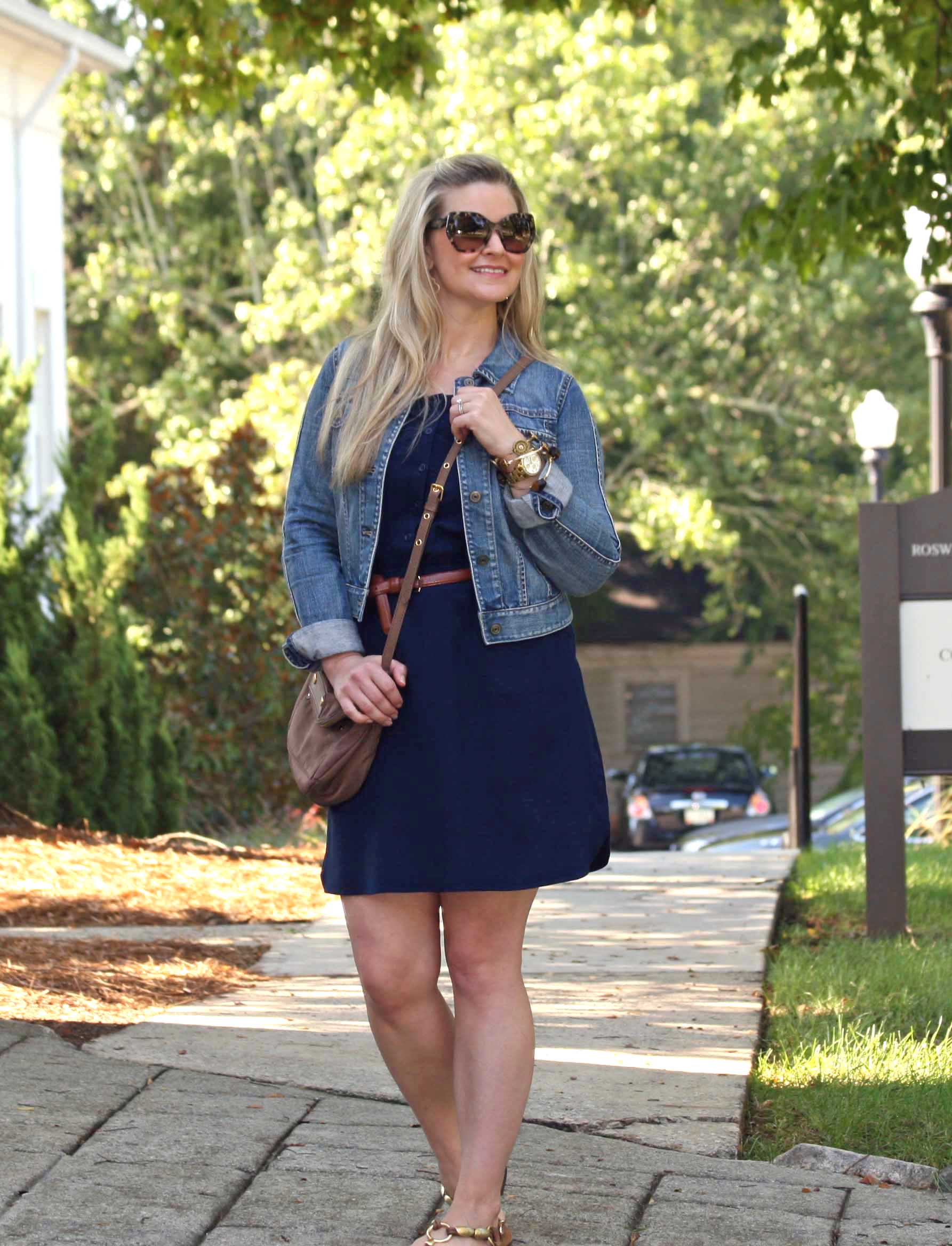 How to style a casual navy blue dress
