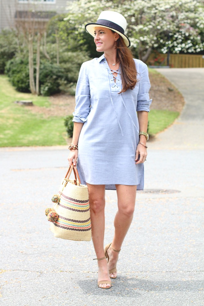 Spring outfit ideas via Peaches In A Pod blog. This Chambray tunic dress is the perfect dress for spring.