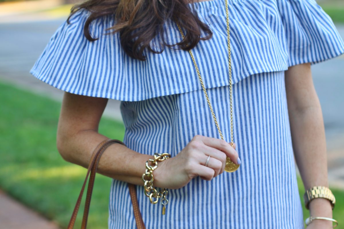 Cute striped summer top via Peaches In A Pod blog..