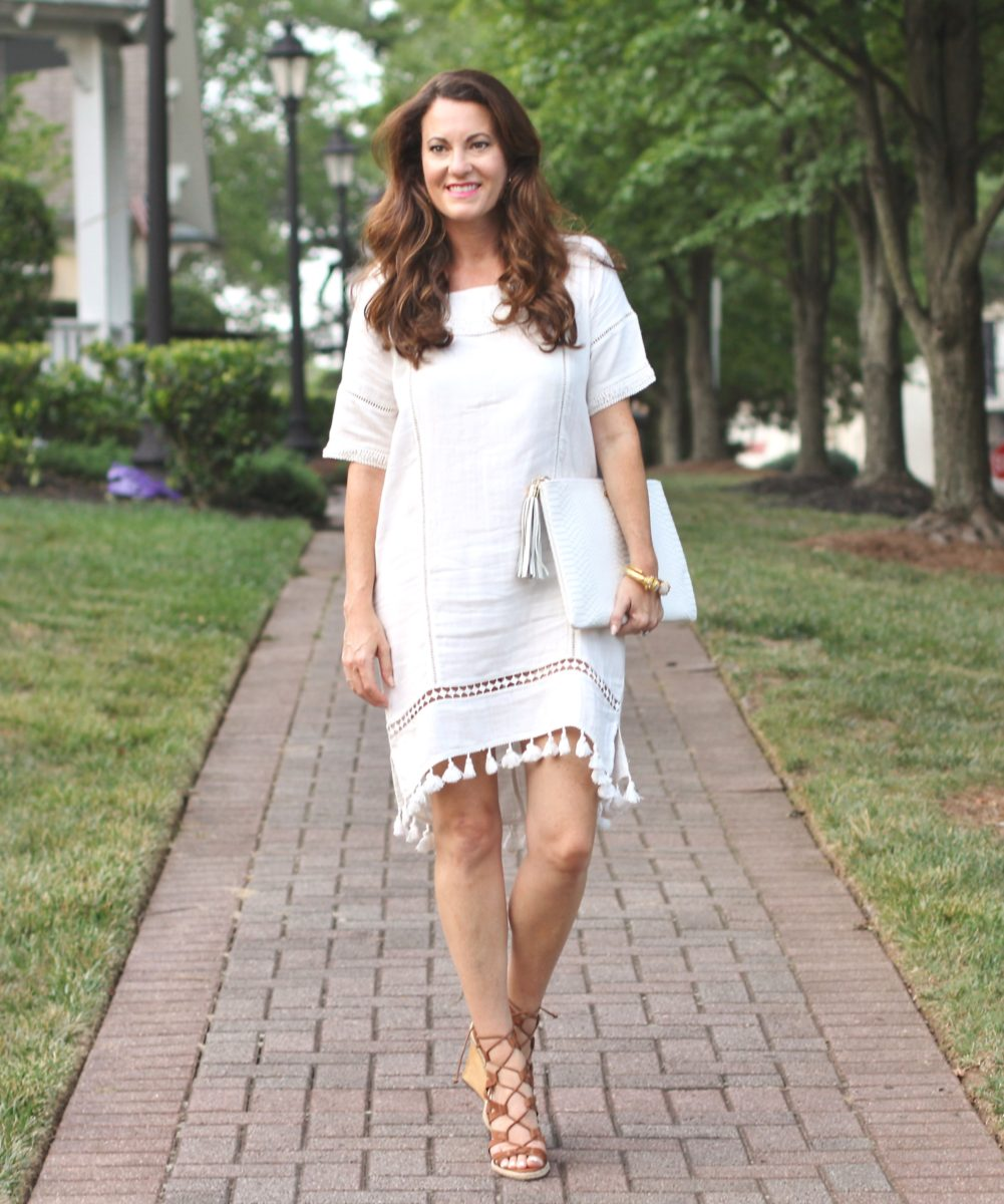 Women's dressy summer fashion via Peaches In A Pod blog.