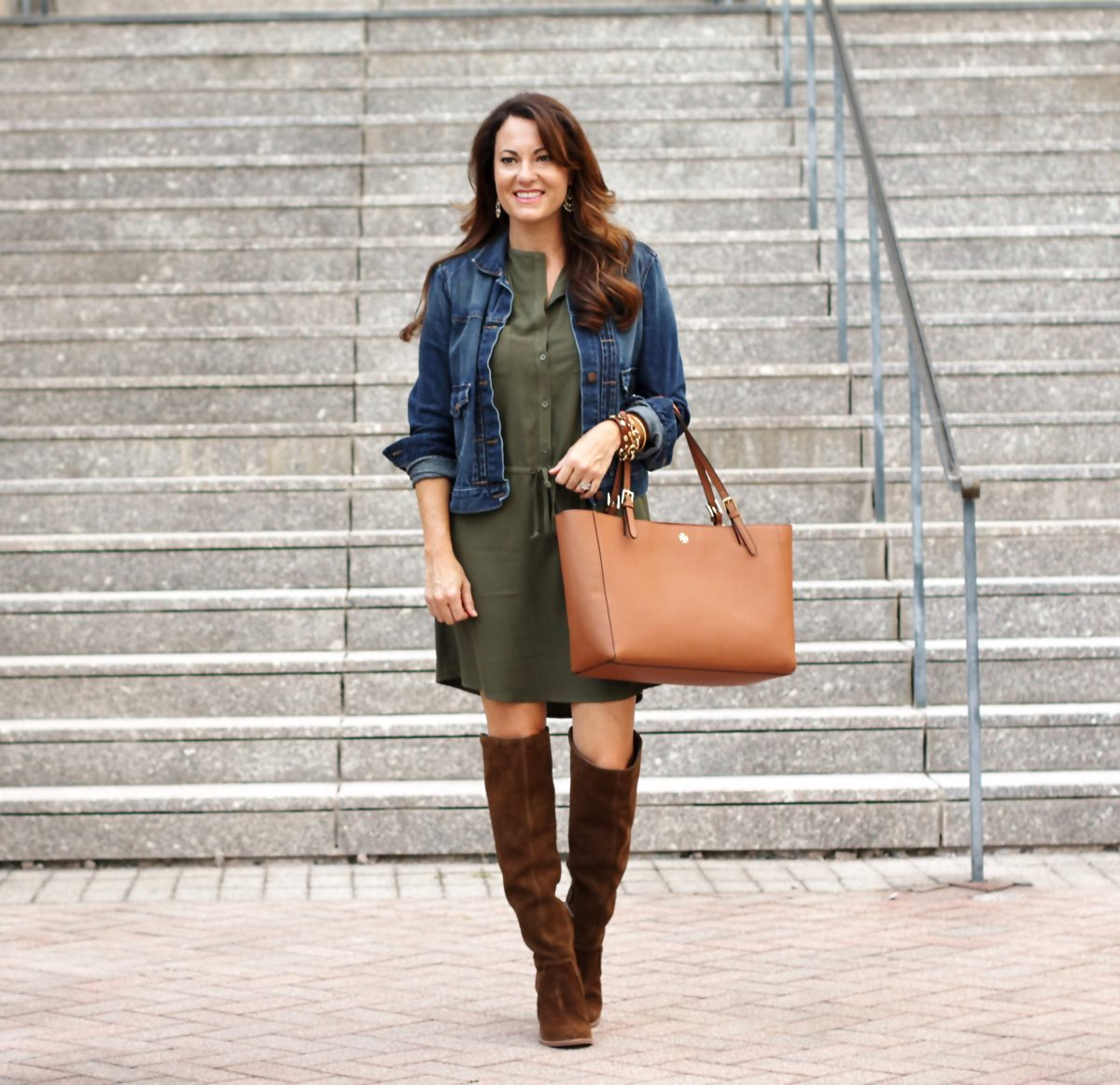 What to wear now and into fall via Peaches In A Pod blog. How to transition your wardrobe into fall.