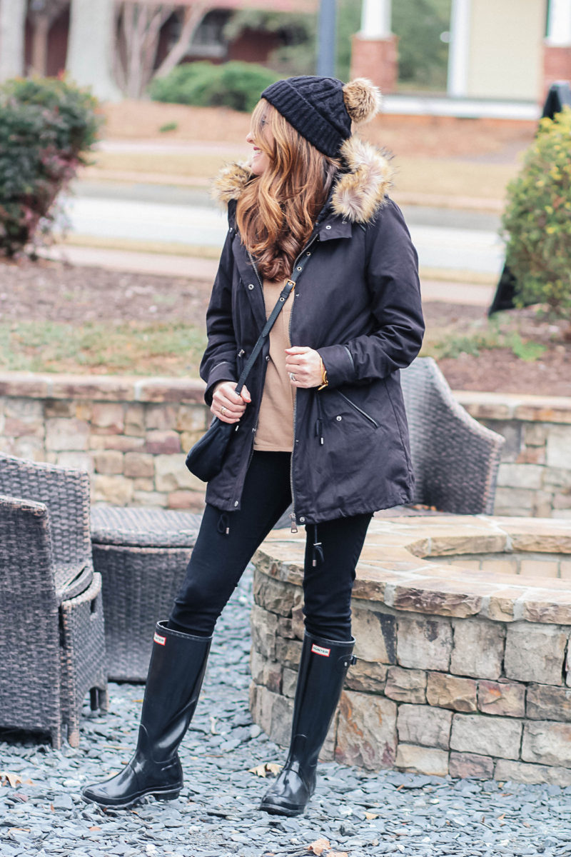 Cute and stylish winter outfit idea via Peaches In A Pod blog.