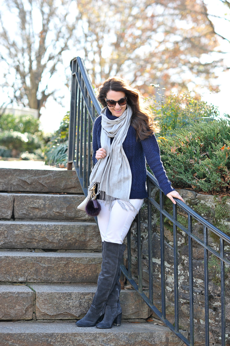 navy-sweater-outfit-idea