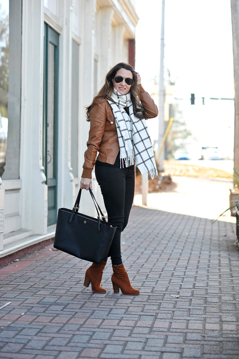 Plaid scarf outfit idea for winter via Peaches In A Pod blog.