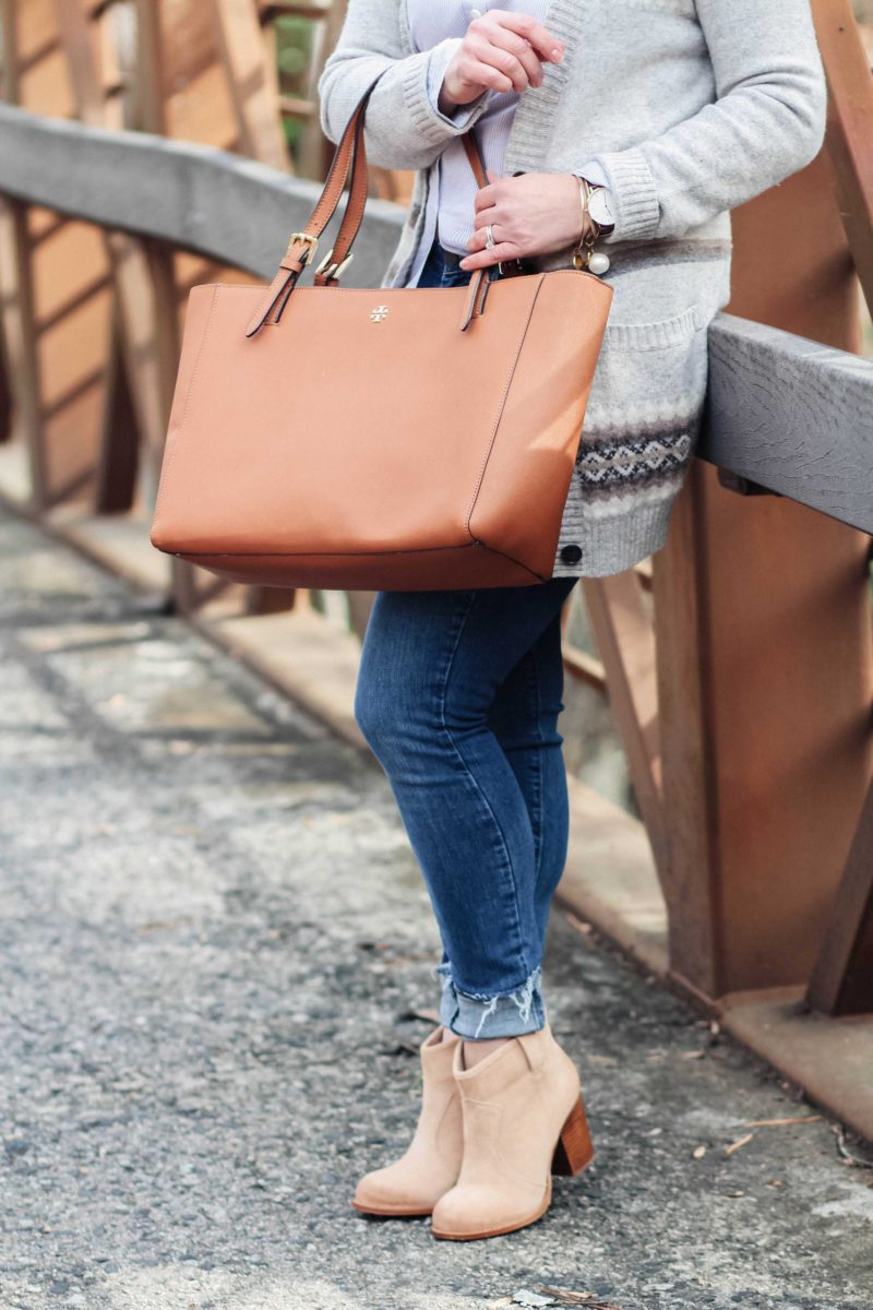The perfect brown tote for year round use. It goes with everything from jeans to dresses.