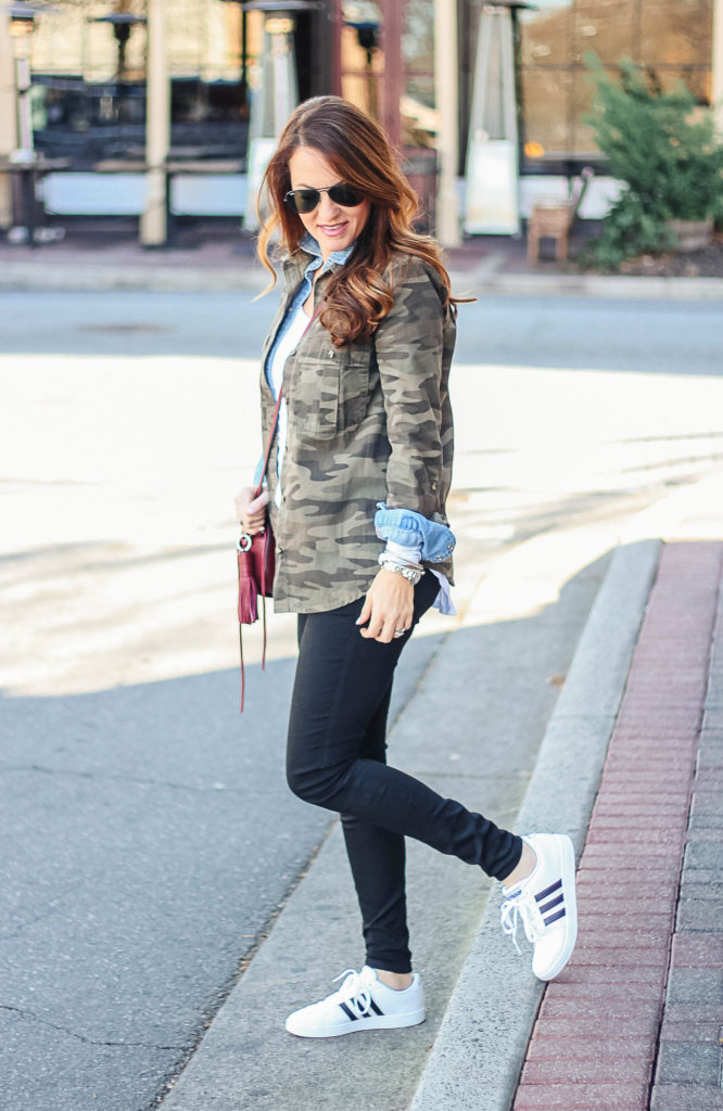 How to wear camouflage this spring via Peaches In A Pod. Cute and casual street style.