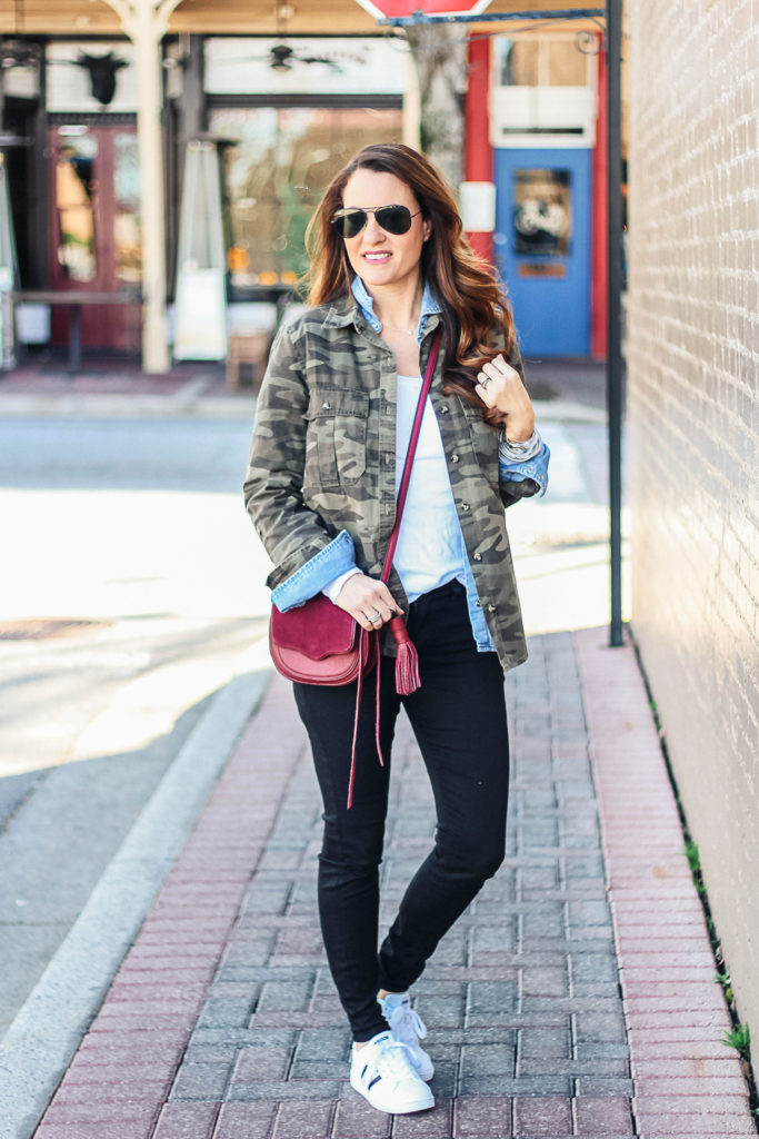 How to look cute and casual this spring via Peaches In A Pod blog.