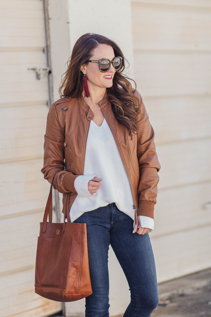 Cute brown leather jacket for women via Peaches In A Pod blog.