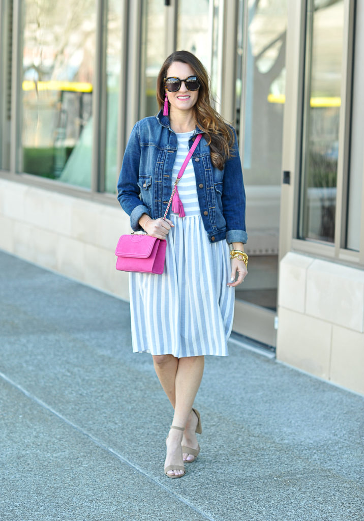 How to style a pink handbag for spring via Peaches In A Pod blog.