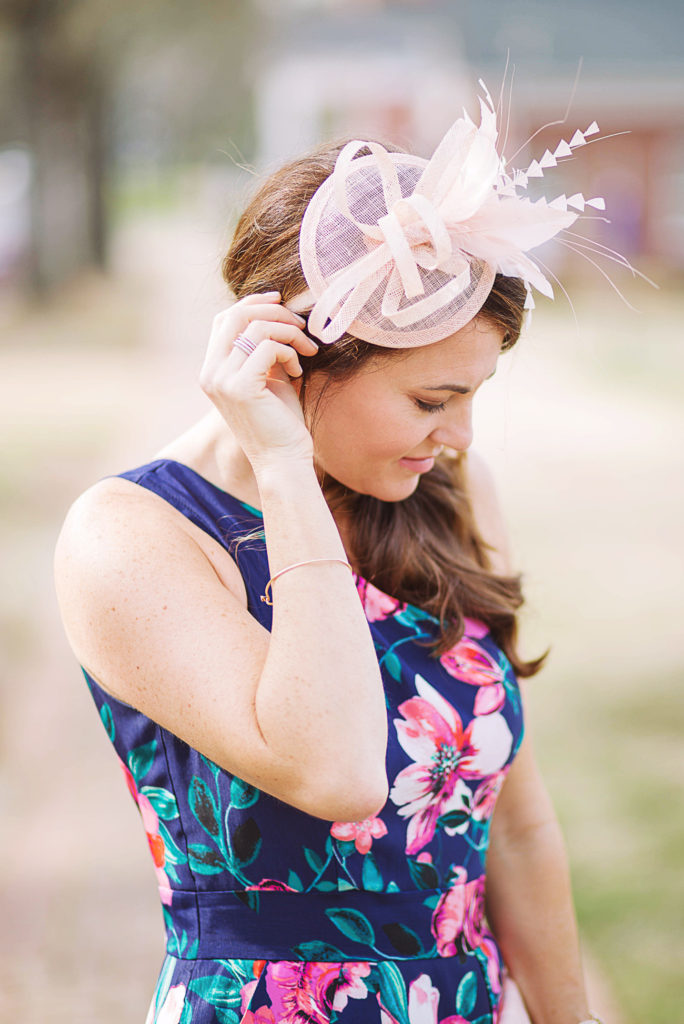 Kentucky Derby Fascinator hat via Peaches In A Pod blog.