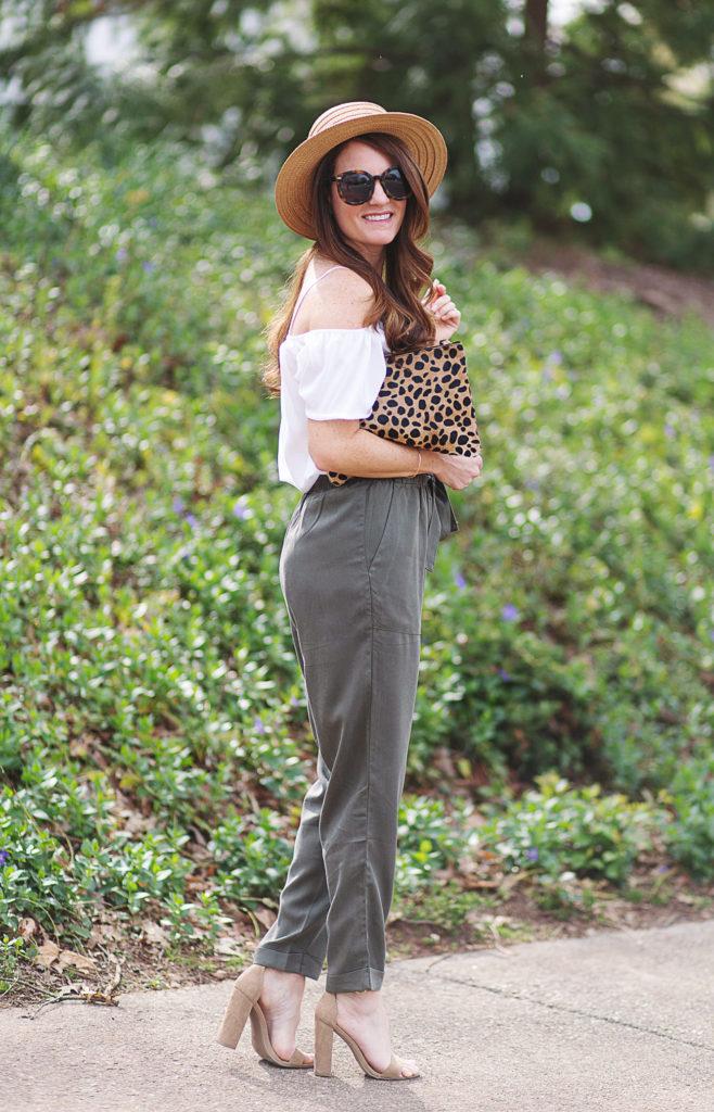 Cute spring outfit idea for women via Peaches In A Pod blog.
