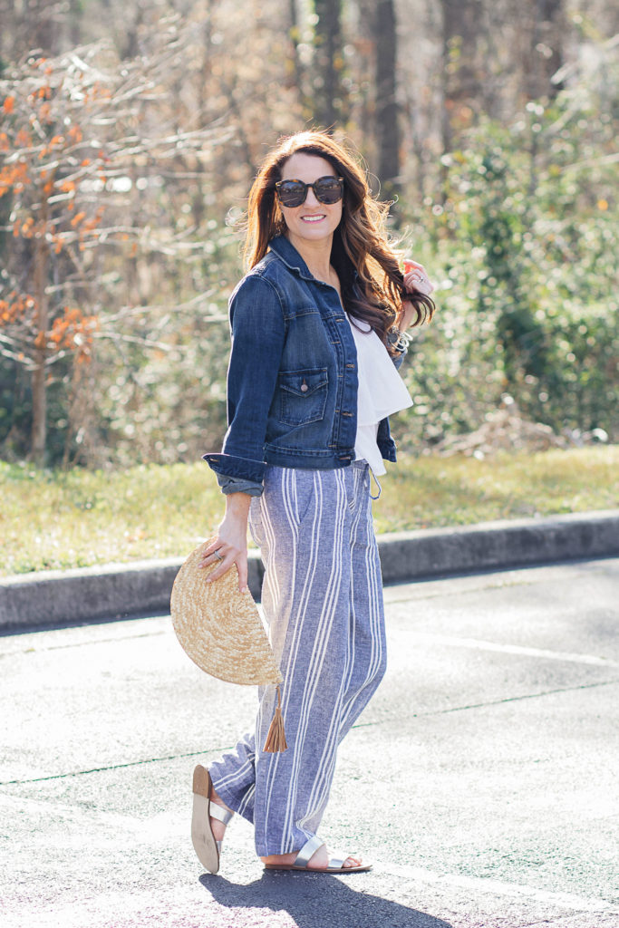 Wide leg pants outfit for summer via Peaches In A Pod blog.