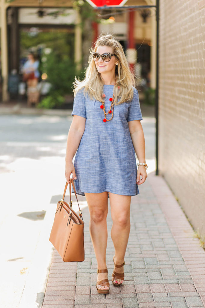 cute denim dress outfit with pockets that is perfect for summer.