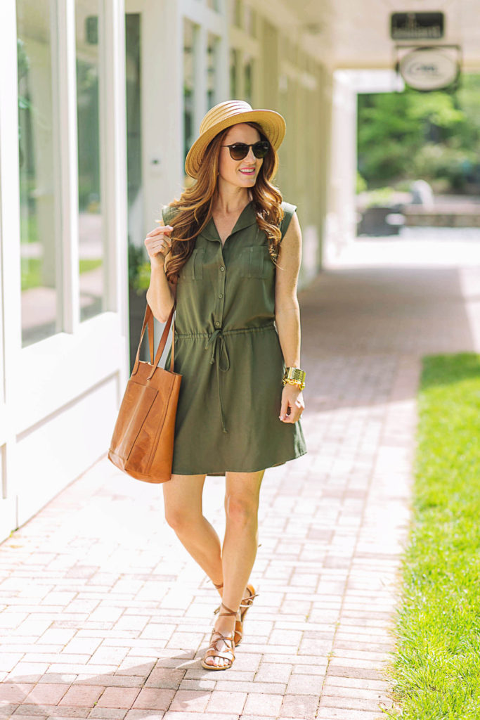 How to wear a shirtdress for summer via Peaches In A Pod blog. BB Dakota utility shirtdress for summer.