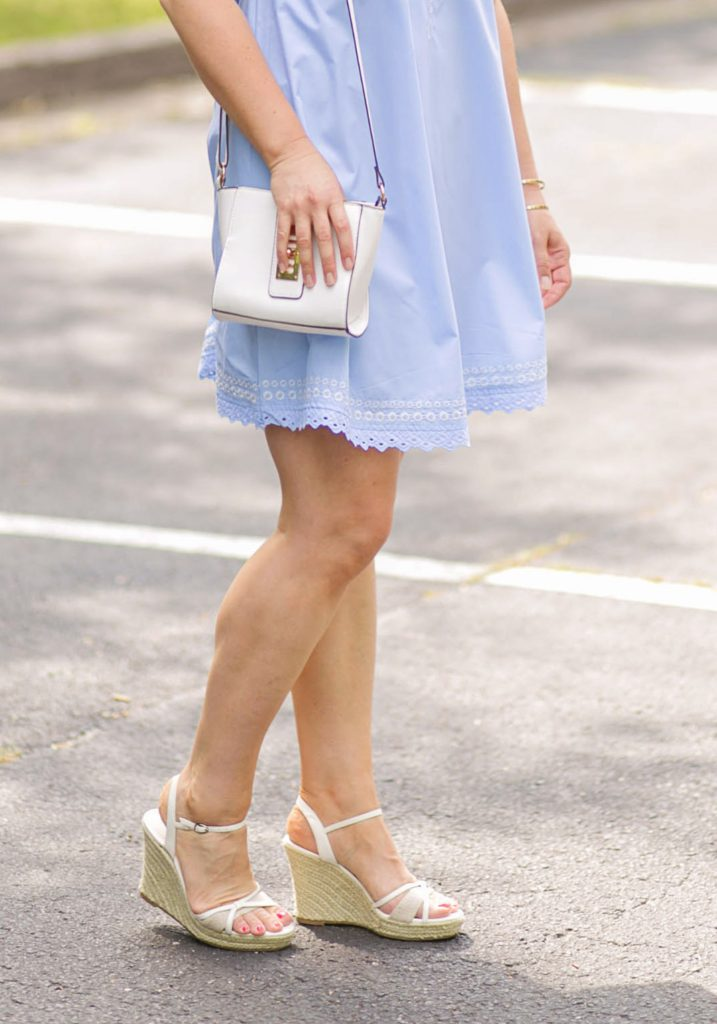 How to wear white wedges in the summer