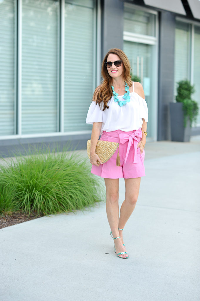 Women's summer style via Peaches In A Pod blog.