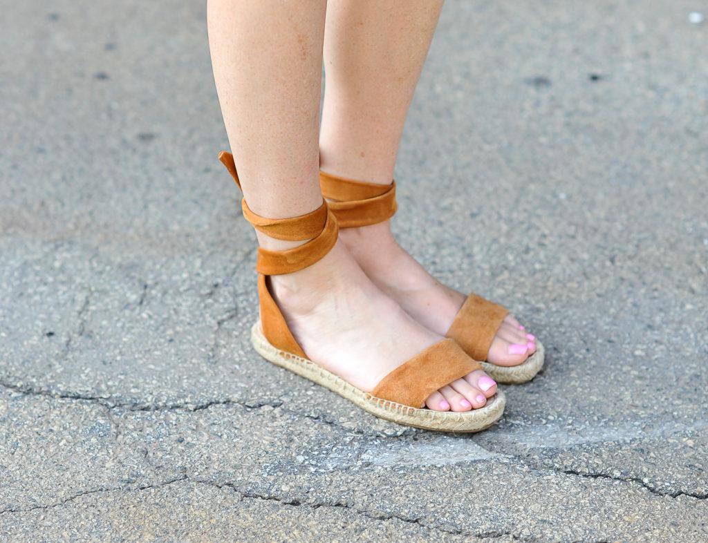 Splendid espadrilles, the perfect summer sandal via Peaches In A Pod blog.