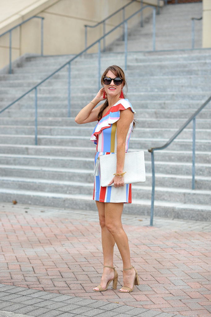 The best romper for summer via Peaches In A Pod blog.
