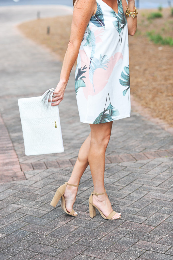 Summer date night outfit idea via Peaches In A Pod blog.