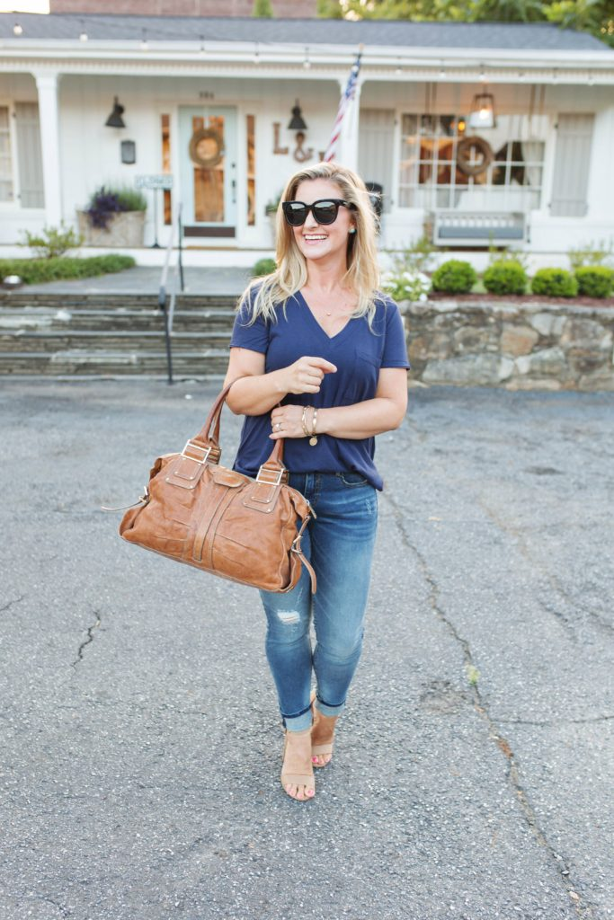 The perfect casual date night look with jeans and a t-shirt