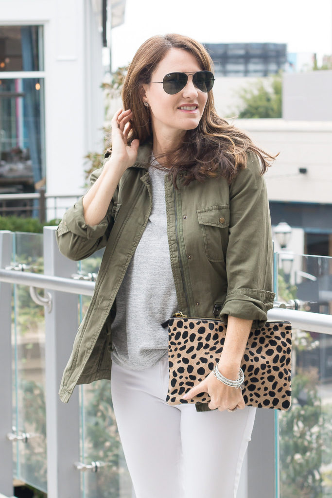 Fall style for women via Peaches In A Pod blog.