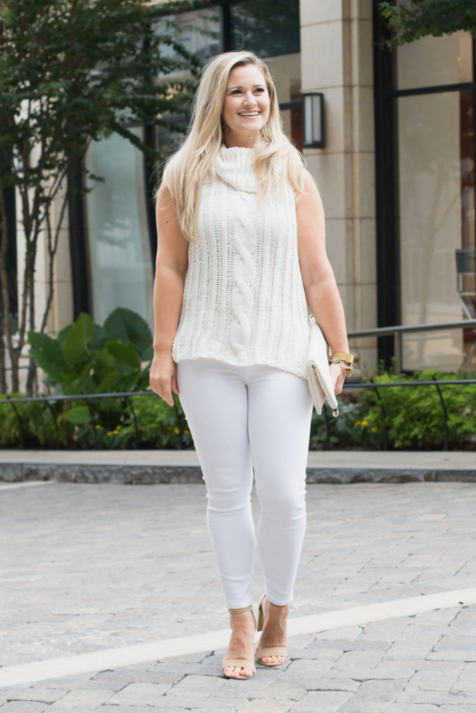 cute white jeans outfit.