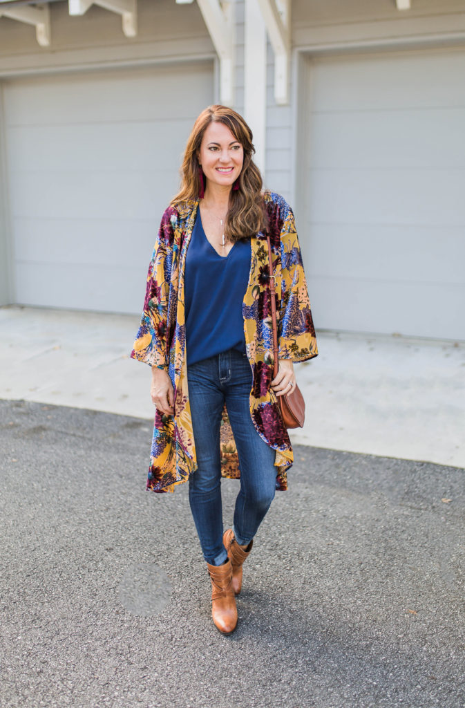 Women's fall outfit ideas via Peaches In A Pod blog.