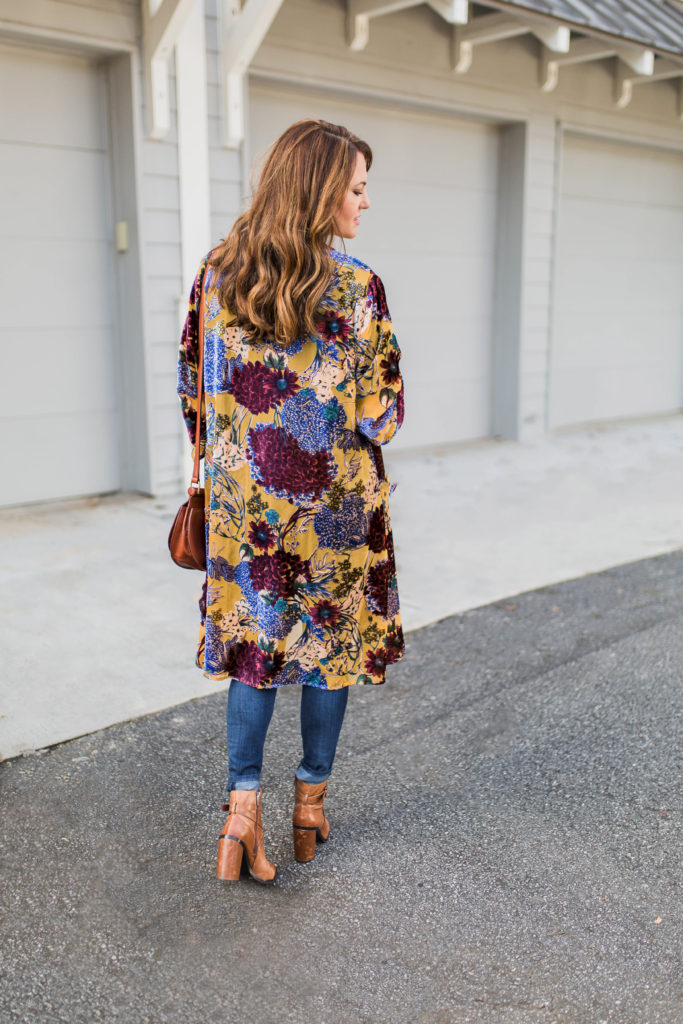 Velvet floral kimono via Peaches In Ia Pod blog.