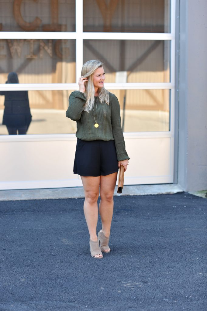 How to wear shorts in the Fall to create a great season appropriate outfit.
