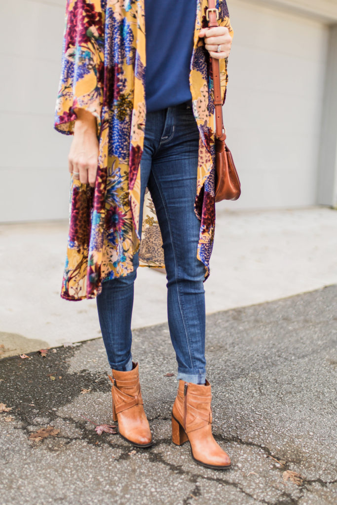 Wearing a kimono for fall via Peaches In A Pod blog.