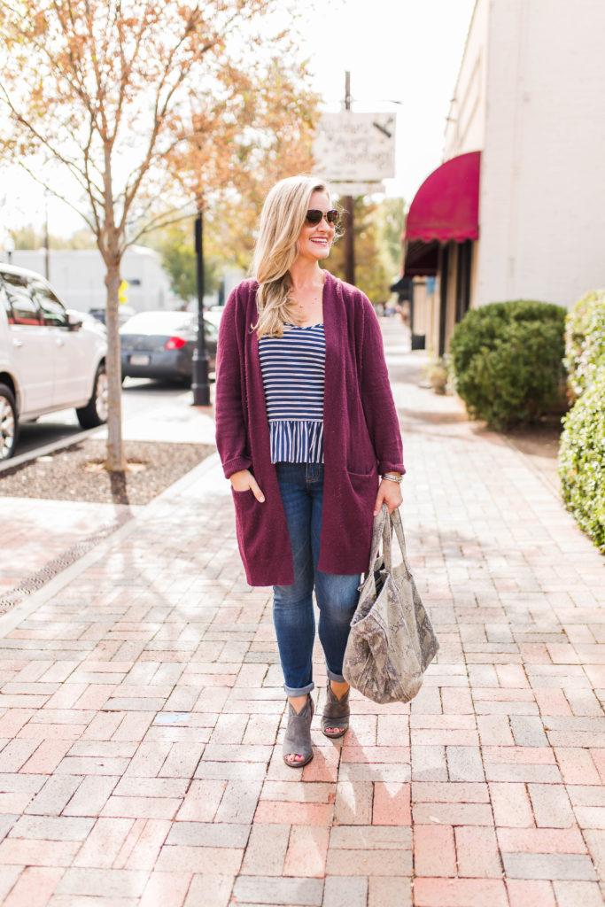 How to style a burgundy cardigan for fall to create a great casual outfit