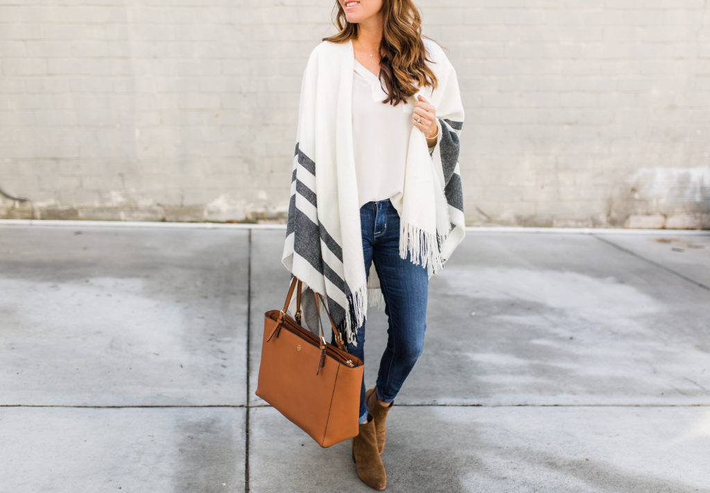 How to wear a poncho via Peaches In A Pod blog.