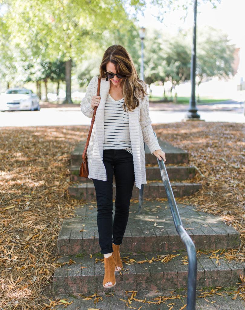 Casual Fall outfit idea via Peaches In A Pod blog.