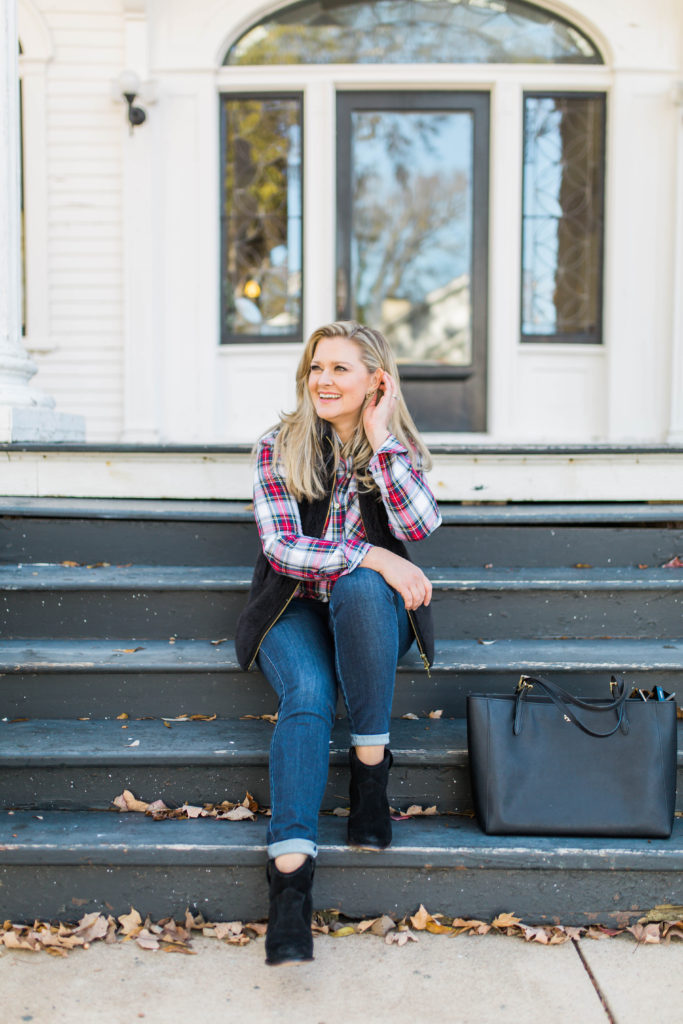 Holiday casual style that is perfect for an afternoon or family pictures.