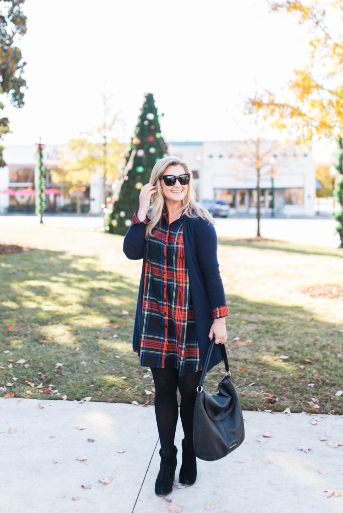 the perfect holiday plaid dress that creates an great casual festive outfit.