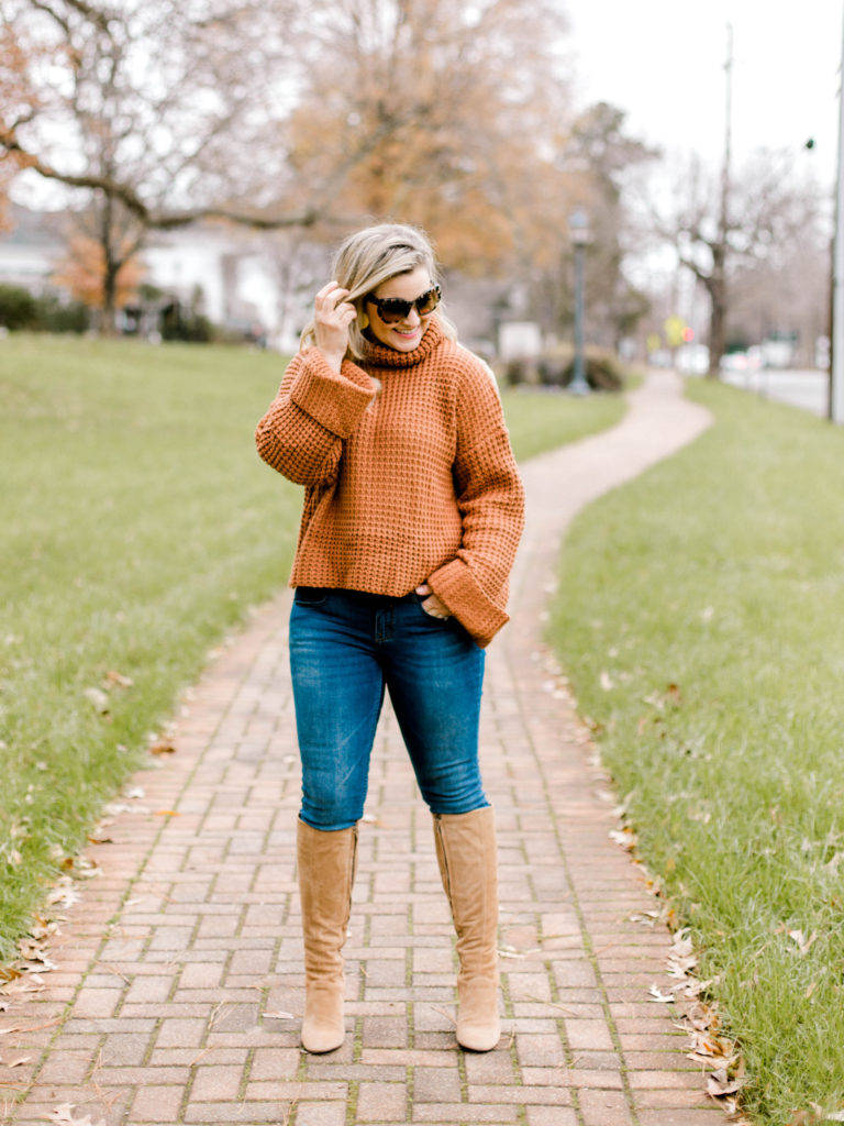 Cute waffle knit sweater that is perfect for winter.
