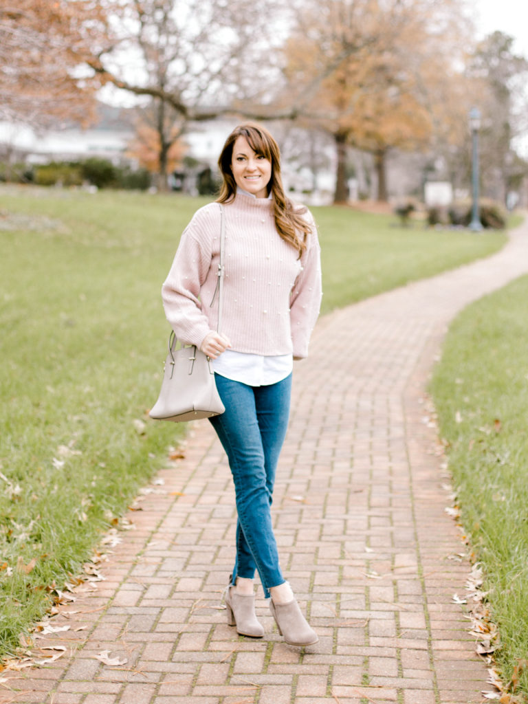Cute winter outfit idea via Peaches In A Pod blog.