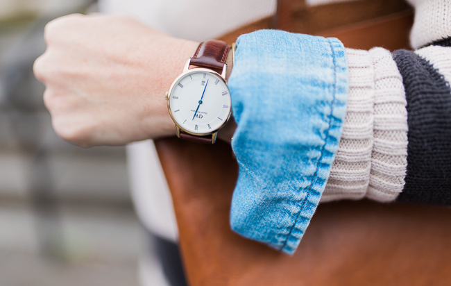 Daniel Wellington watch via Peaches In A Pod blog.