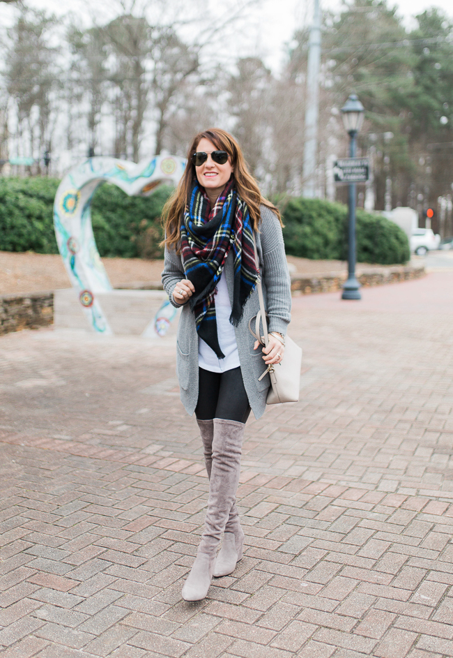 How to wear leather leggings via Peaches In A Pod blog. Leather leggings, gray suede over the knee boots outfit idea for winter.