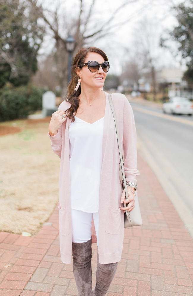 Pink cardigan outfit idea for women via Peaches In A Pod blog.