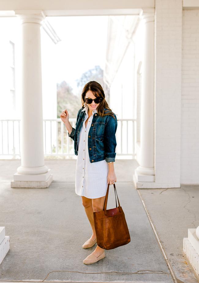 Cute Spring shirtdress for women via Peaches In A Pod blog.