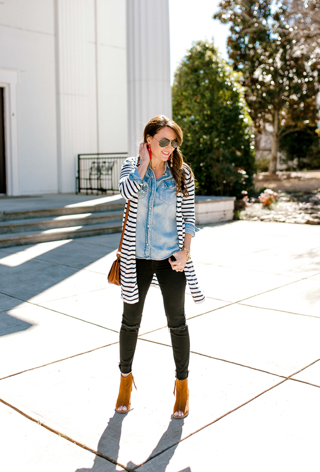 Black denim outfit for women via Peaches In A Pod blog.