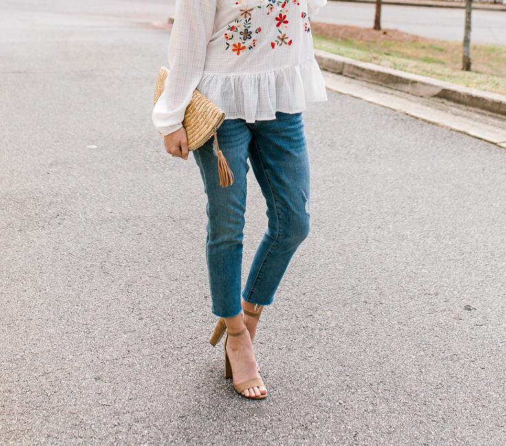 How to wear girlfriend jeans this Spring via Peaches In A Pod blog.