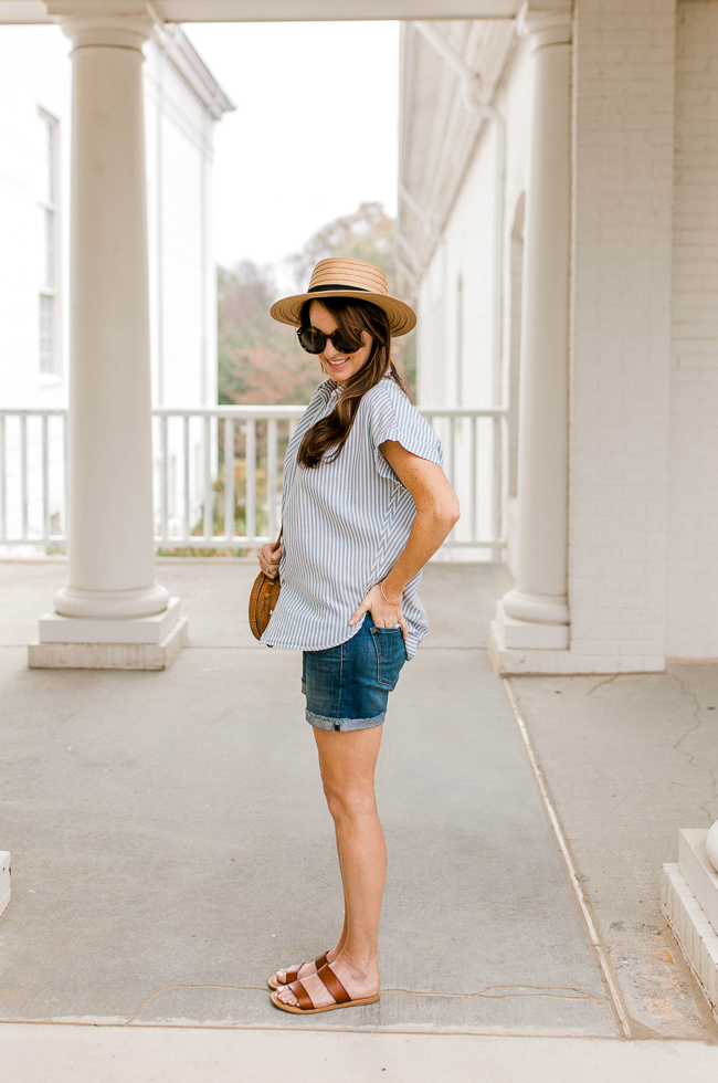 What to wear on vacation via Peaches In A Pod blog. Cute travel style this Spring and Summer.