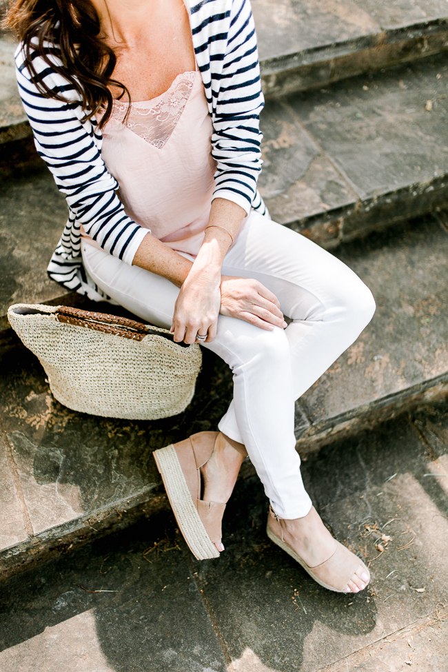 Women's Spring style via Peaches In A Pod blog.