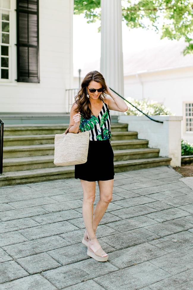 Cute Summer fashion for women via Peaches In A Pod blog.